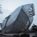 ガラスの膜を纏った幻影的な建築「フォンダシオン・ルイ・ヴィトン(Foundation Louis Vuitton)」